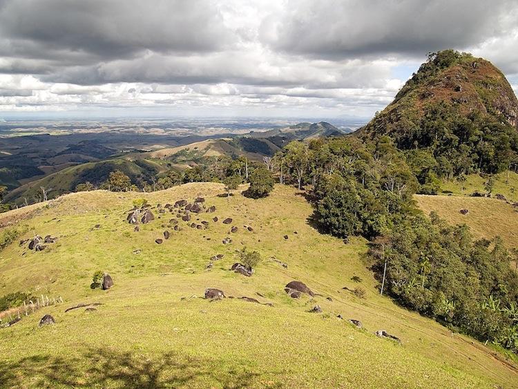 Área desmatada no topo de Tapuio
