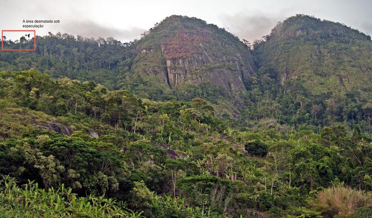 Serra de Tapuio mostrando a área que seria desmatada